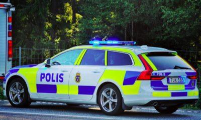 Polisfordon-Volvo-V90