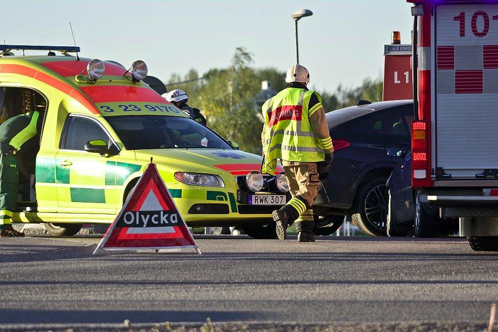 Ambulans-Räddningstjänsten-Trafikolycka