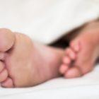 Sova-Fötter-Sömn