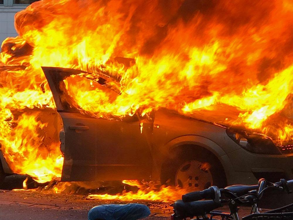 Bildbrand vid polishuset i Örebro