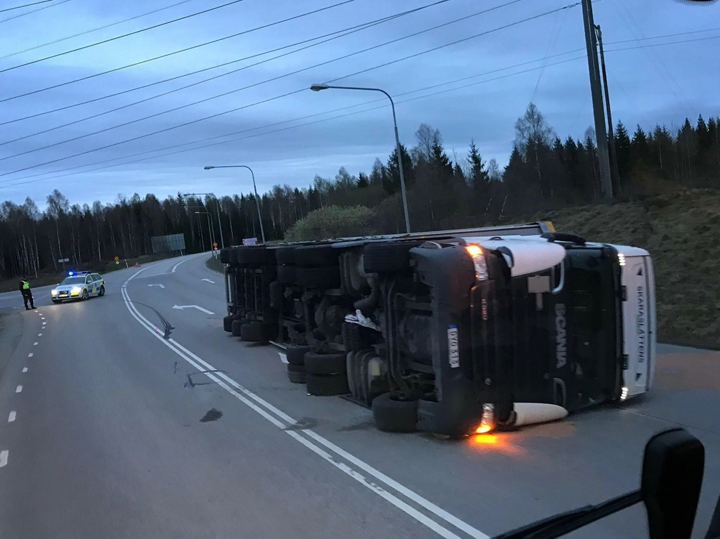 Trailerdragare-Frövi-Trafikolycka
