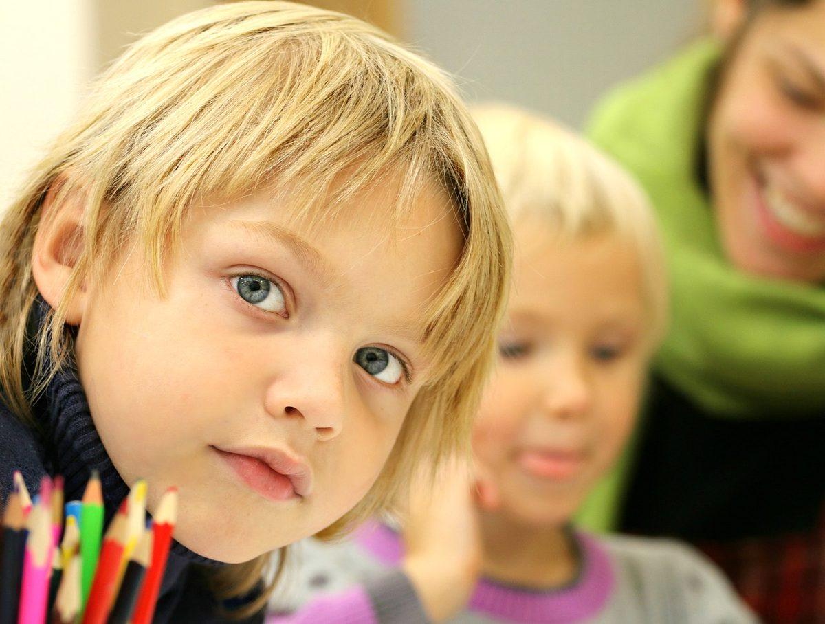 Skola-Pojke-Elev
