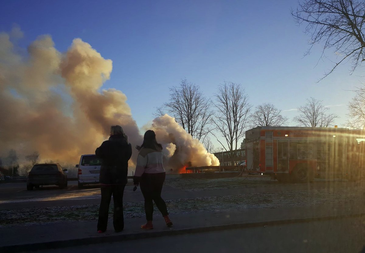 Bilbrand vid Alléskolan i Hallsberg