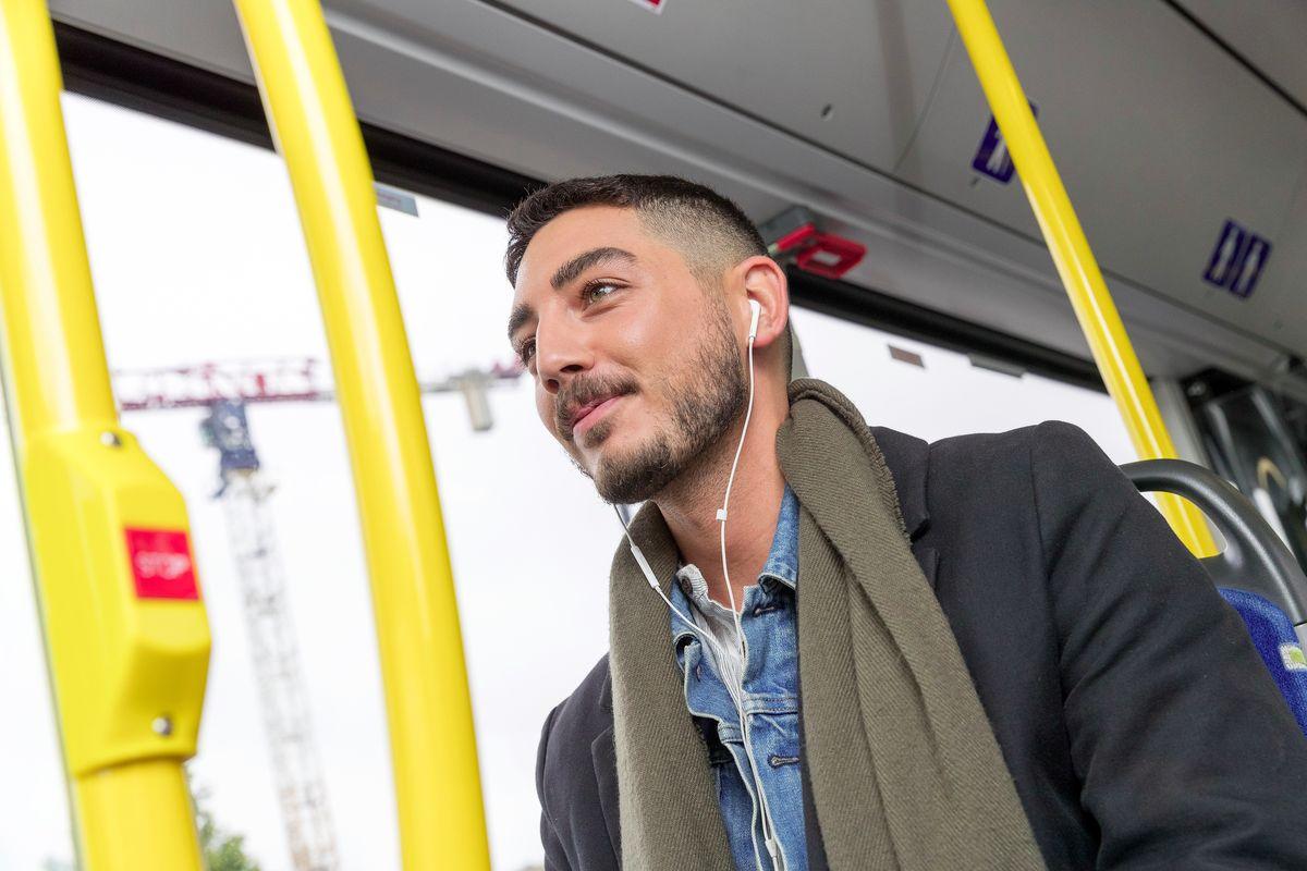 Resenär i kollektivtrafiken
